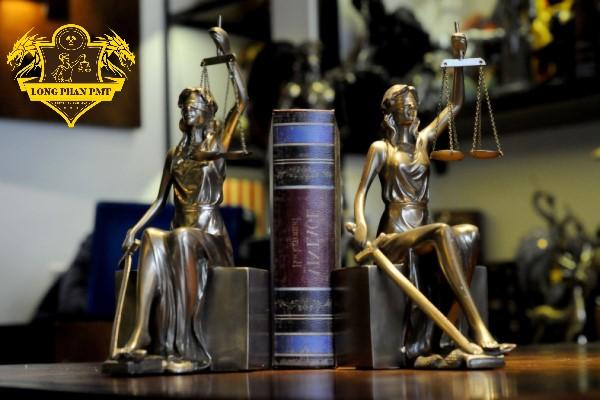 Luật sư tham gia tố tụng tại Tòa án
